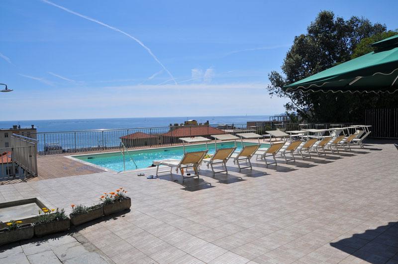 Hotel fronte mare lavagna hotel mediterraneo lavagna - Albergo con piscina in camera ...